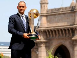 ms-dhoni-with-world-cup-2011-trophy-