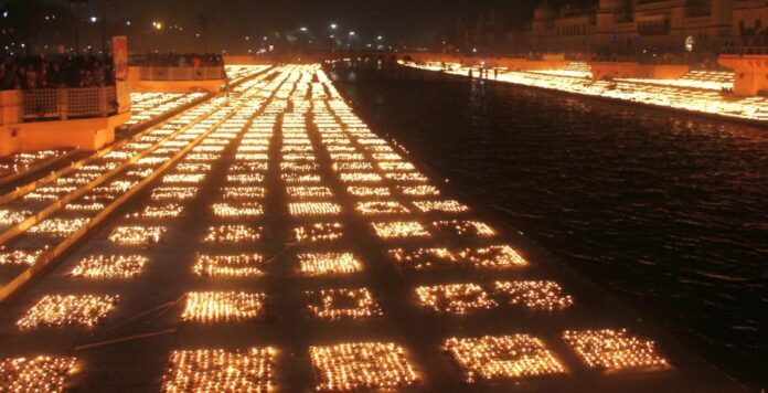 in-ayodhya-prabhu-shri-ram-temple-decorated-with-5-lakh-51-thousand-diyas