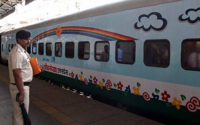 the-first-hospital-train-lifeline-express
