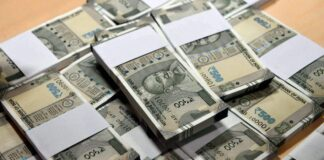 2-crore-rupees-hidden-in-the-car-engine-in-mp