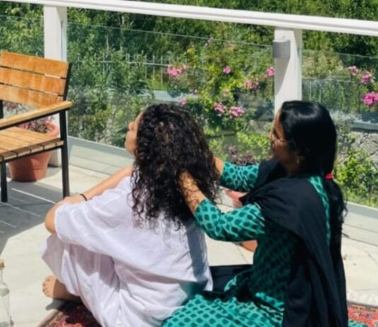 actress-kangana-ranaut-shared-the-photo-as-soon-as-she-reached-home